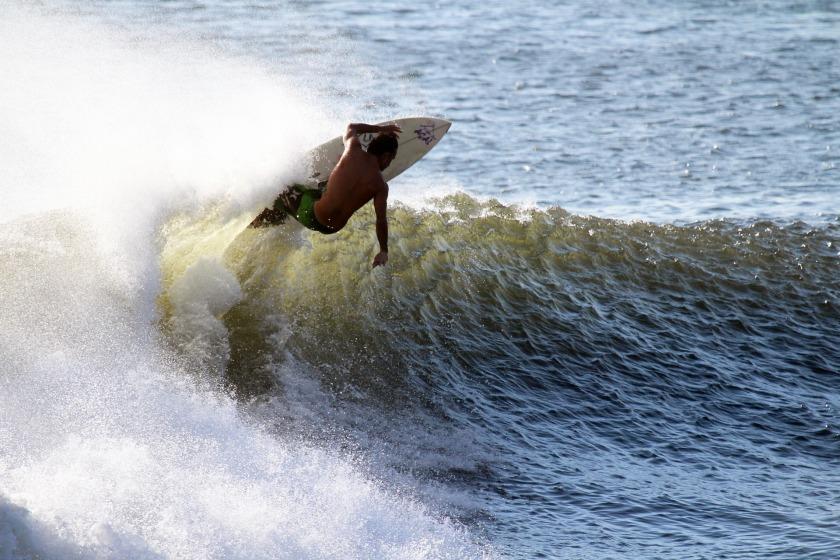 surfer-731482_1920