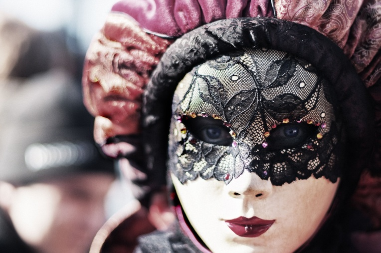carnival-411494.jpg